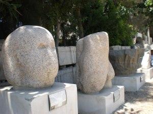 batu-batu yg jatuh dan diambil semula dari dasar laut